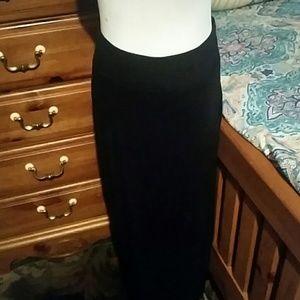 Plain black pencil skirt ♥